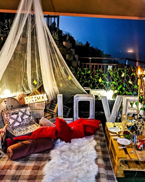 couples package, package deals, romantic. couples outings, picnic, durban, accommodation, guesthouse, 305 guesthouse, reputable, accredited, luxury, amanzimtoti, bed and breakfast, durban, beauty salon, restaurant
